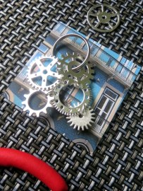 Linked cogs to make a keyring
